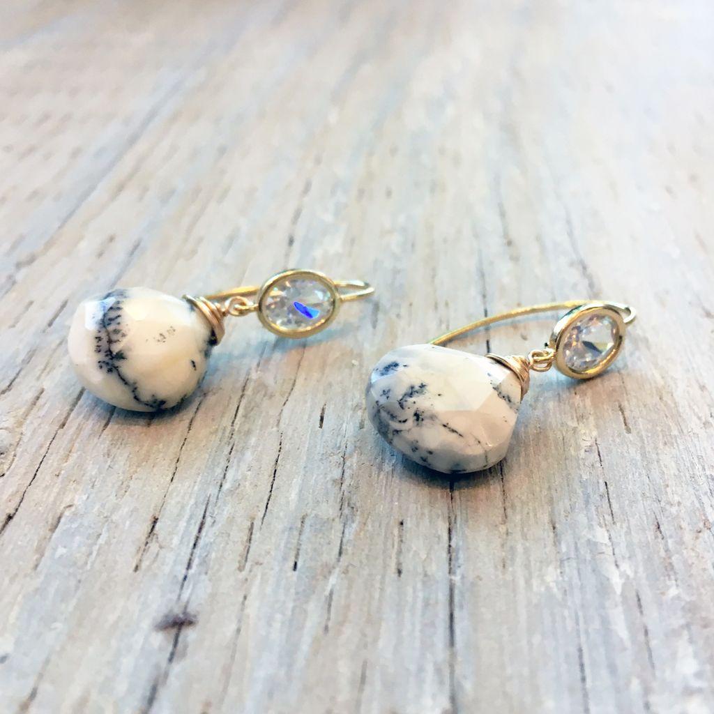 Earrings Lady of Cascadia Earrings