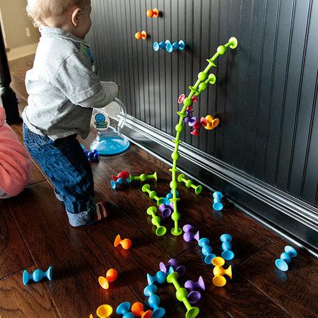 Fat Brain Toys Squigz Starter Set by Fat Brain Toys
