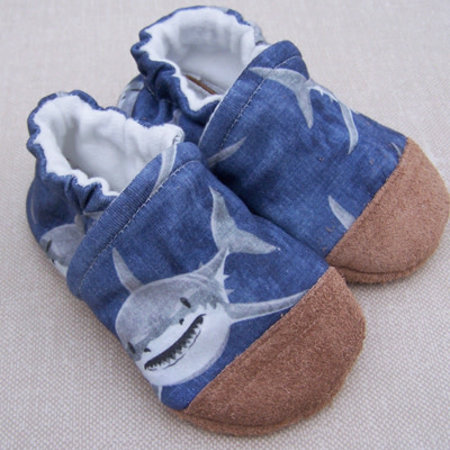 Snow & Arrow Organic Cotton Slippers Shark Attack