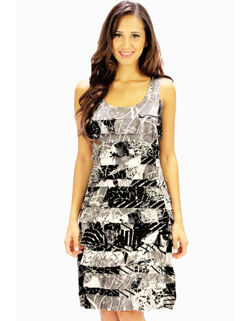 Tango Mango Black & White Leaf Pattern Ruffle Dress Medium