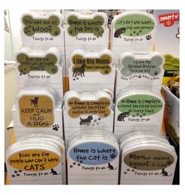"E&S E&S Pets Magnetic Notepad ""Cats Don't Have Owners, They Have Servants"""