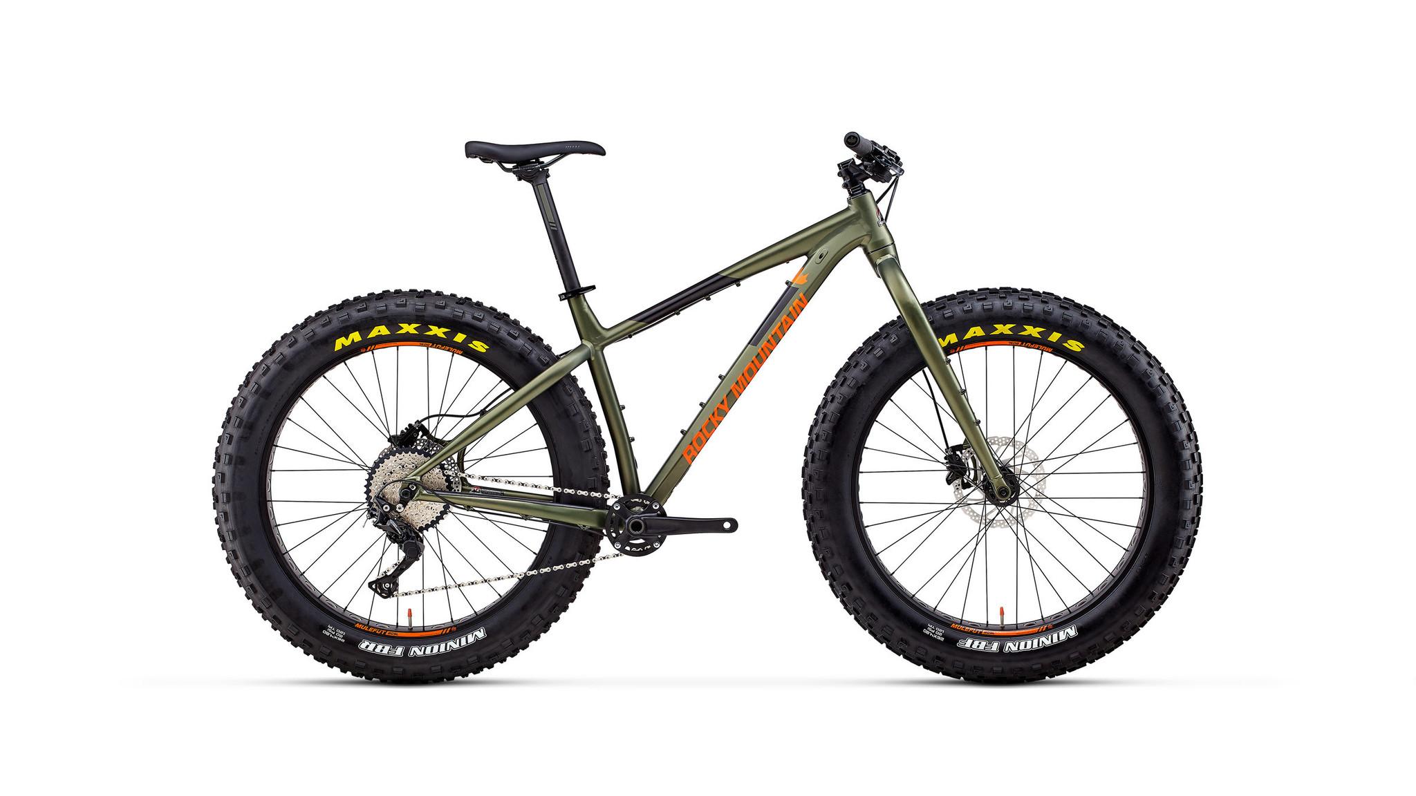 Rocky Mountain Bikes BLIZZARD 30 Fat Bike - MEDIUM