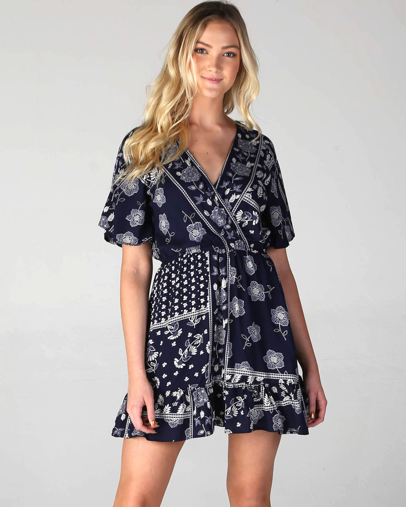 Angie V Neck Short Sleeve Dress (B4CC7)