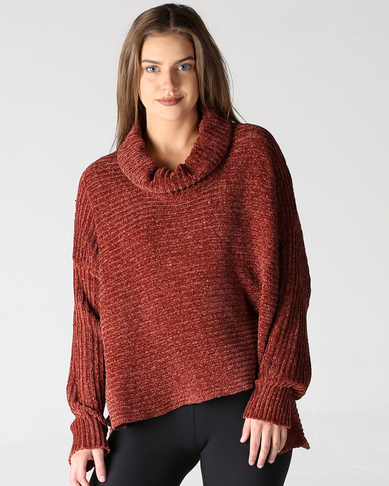 Angie Hi Lo Pullover (XHF50)