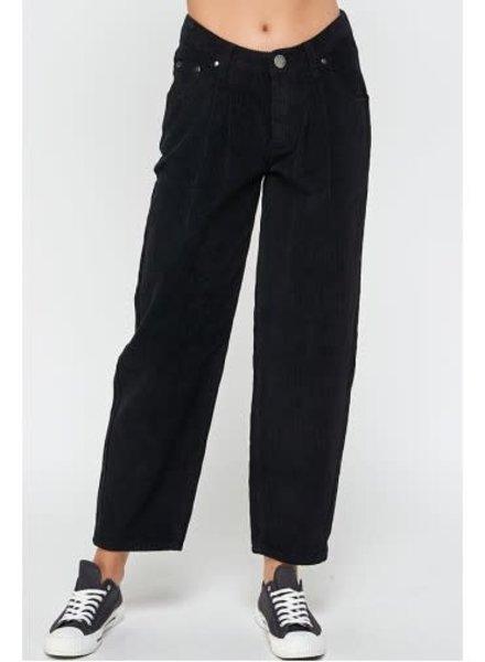 Signature 8 Low Waist Front Tuck Pants (S8766)