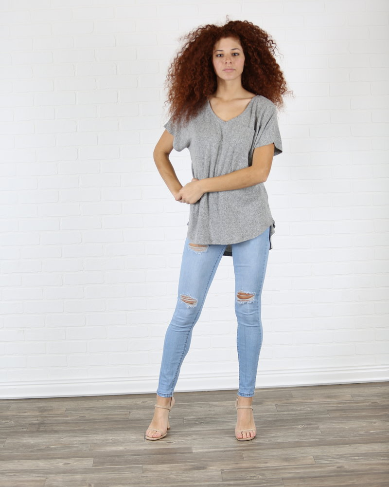 Angie Grey Hatchi Slouchy 1 Pocket Top (X2BF1)