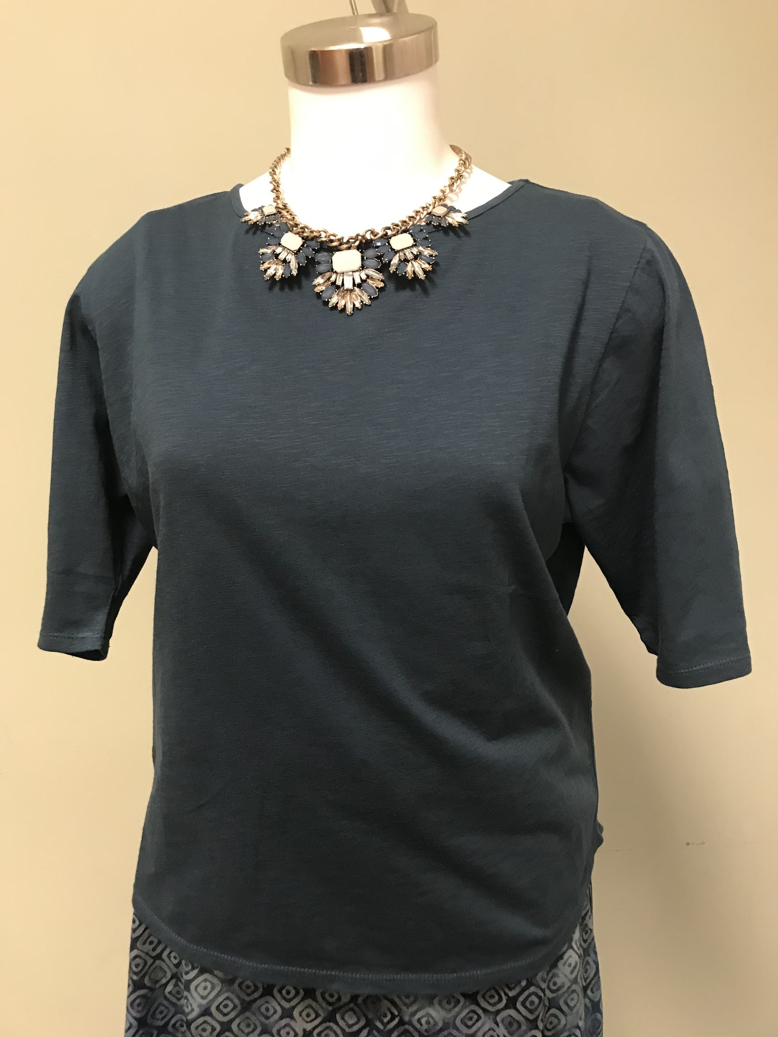 WIND RIVER Crew Neck Blouse