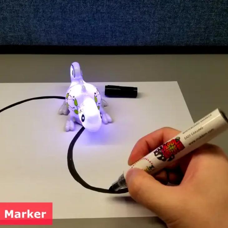 MukikiM Kool Kreepers - Color Tracer. Mini Inductive Chameleon