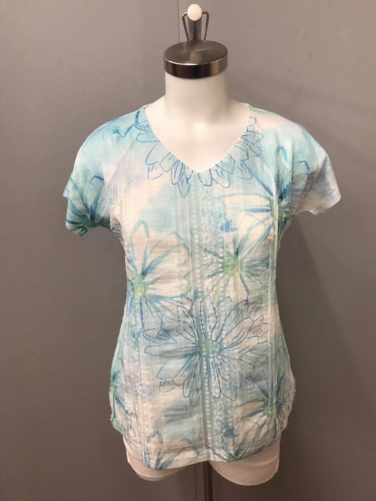 london imports Knit Floral Print Lace V-Neck Tee 233564