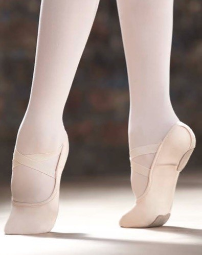Capezio 2037C-Hamani Ballet Split Sole 4 Way Stretch Canvas Child