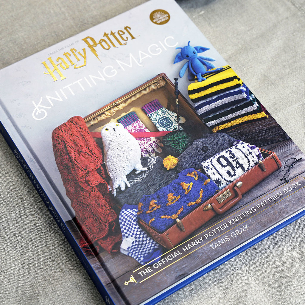 "SIMON & SCHUSTER ""Harry Potter Knitting Magic"" by Tanis Gray"
