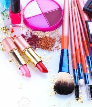 Multiple items makeup set