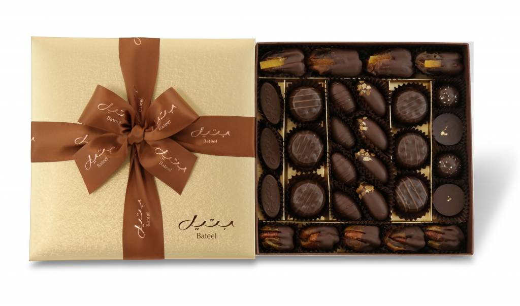 Bateel USA Dark Chocolate Assortment in Cassandra Square Gift Box (30 Pieces)