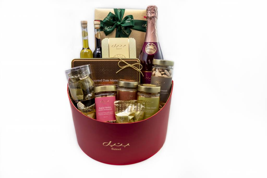Bateel USA Ruby Red Gift Basket Gourmet Assortment (Medium)