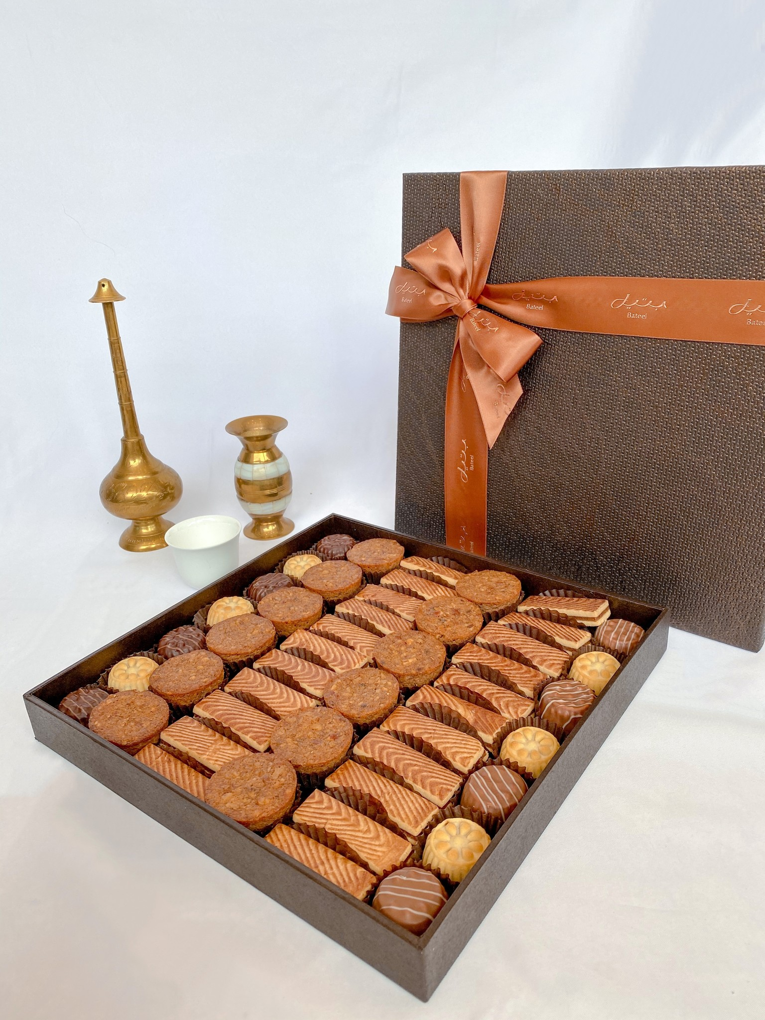 Bateel USA Alina Square L Gourmet Biscuits Assortment
