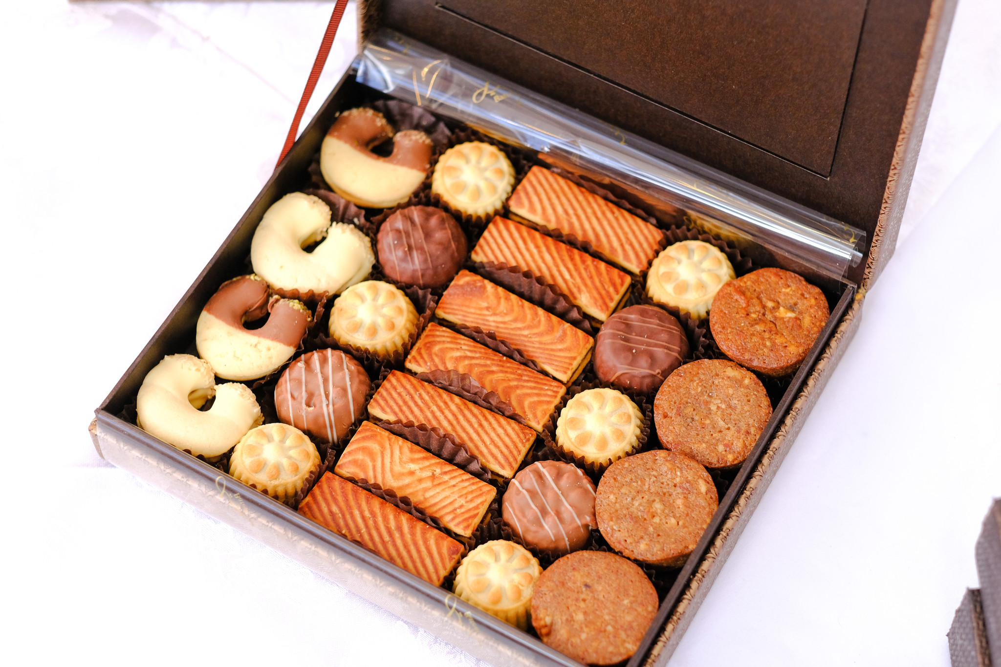Alina Photo Frame Biscuit Assortment Small