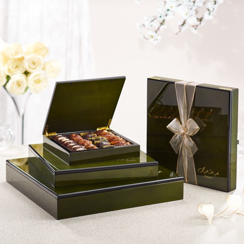 Bateel USA Olive Green Wood Gift Box with Gourmet Dates