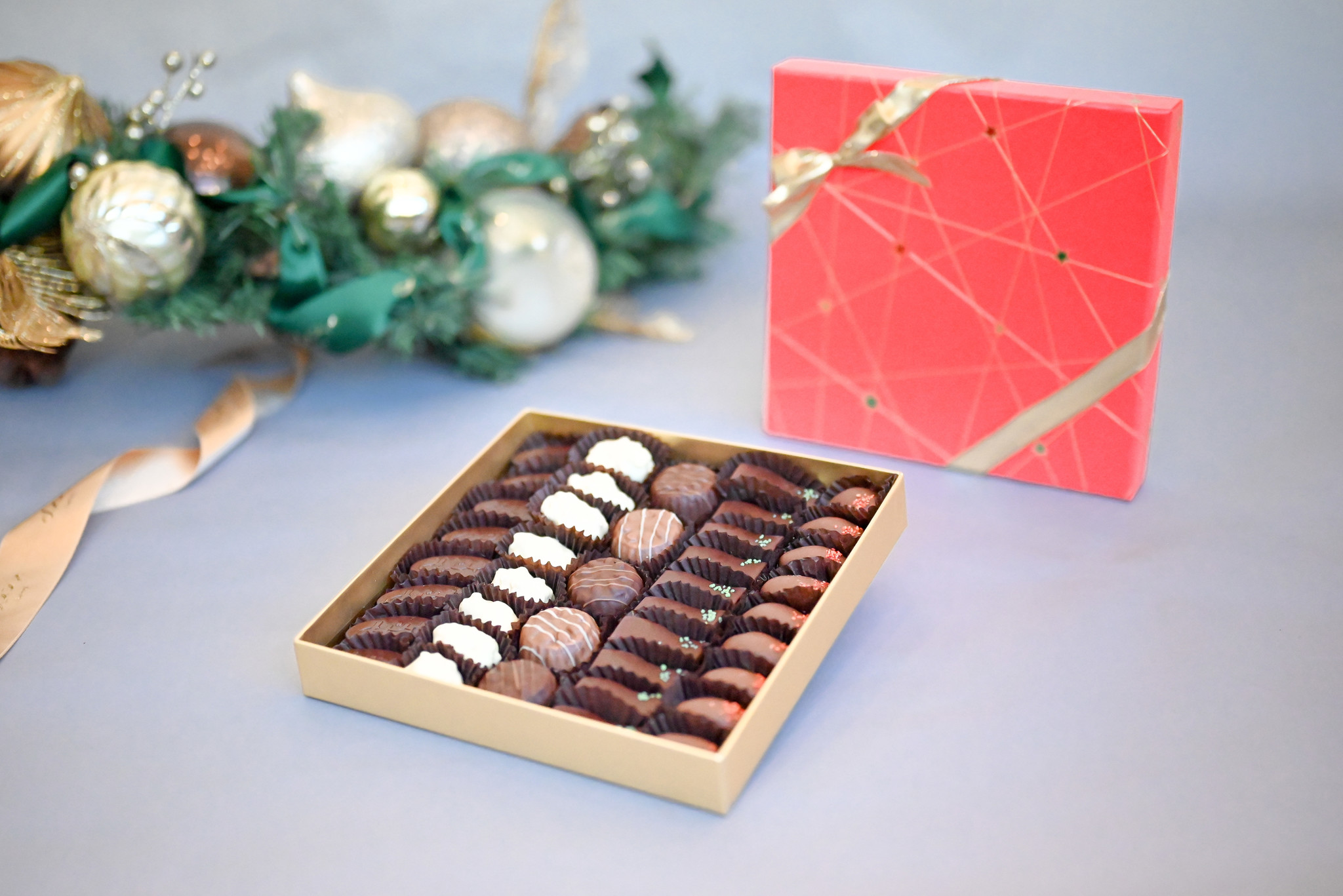 Stella Red Large Chocolate and Biscuit Assortment