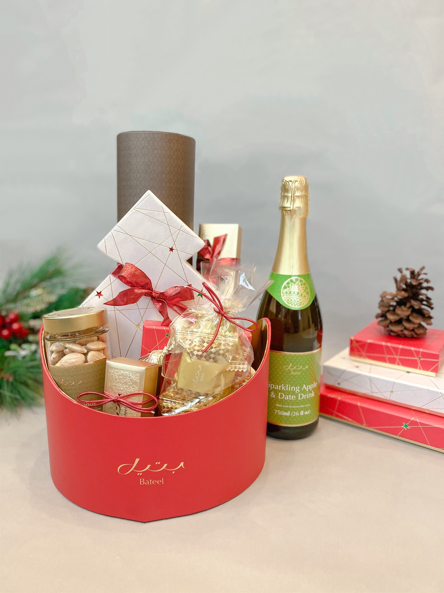 Ruby Red Stella White Tree Hamper