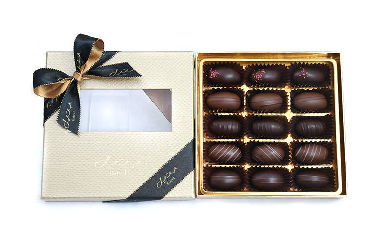 Bateel USA Black Gold Date Chocolates 15 Pieces