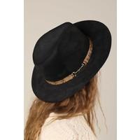 Snakeskin & Suede Hat in Black