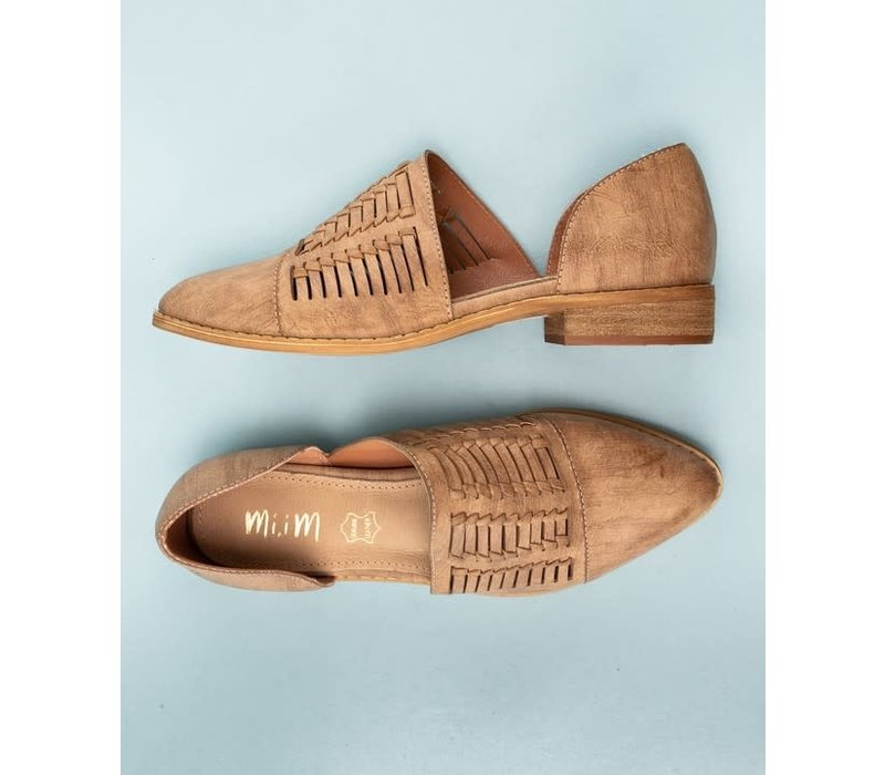 Handwoven Pointed Freesia Flat