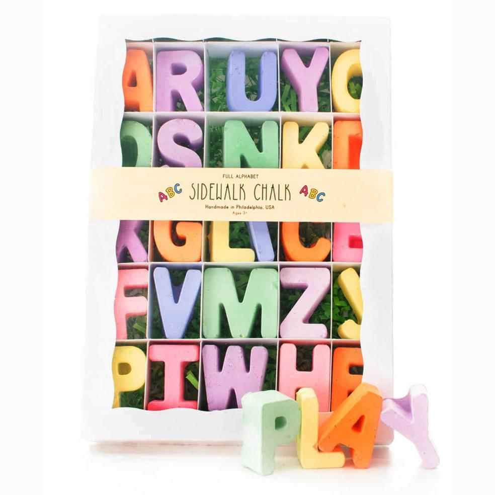 Twee 26 Letter Alphabet Sidewalk Chalk