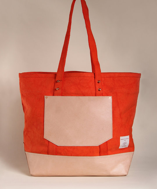 IMMODEST COTTON x Fleabags Immodest Cotton - East West Bucket Tote, Persimmon