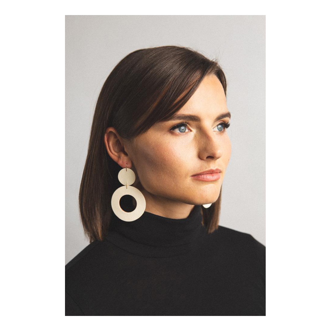 Dear Survivor White Stela Earrings