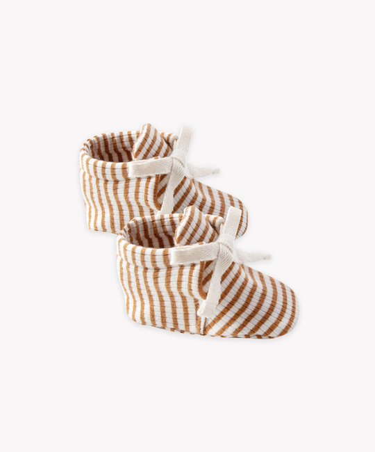 Quincy Mae - QM Quincy Mae - Ribbed Baby Booties in Walnut Stripe