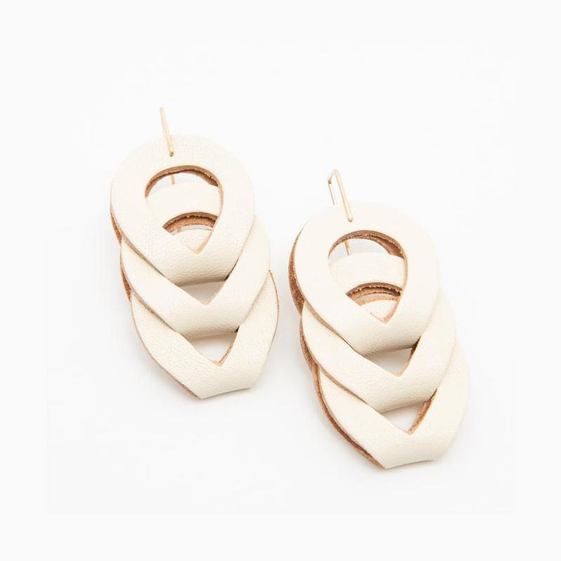 Dear Survivor - DS Dear Survivor - White Woven Earrings