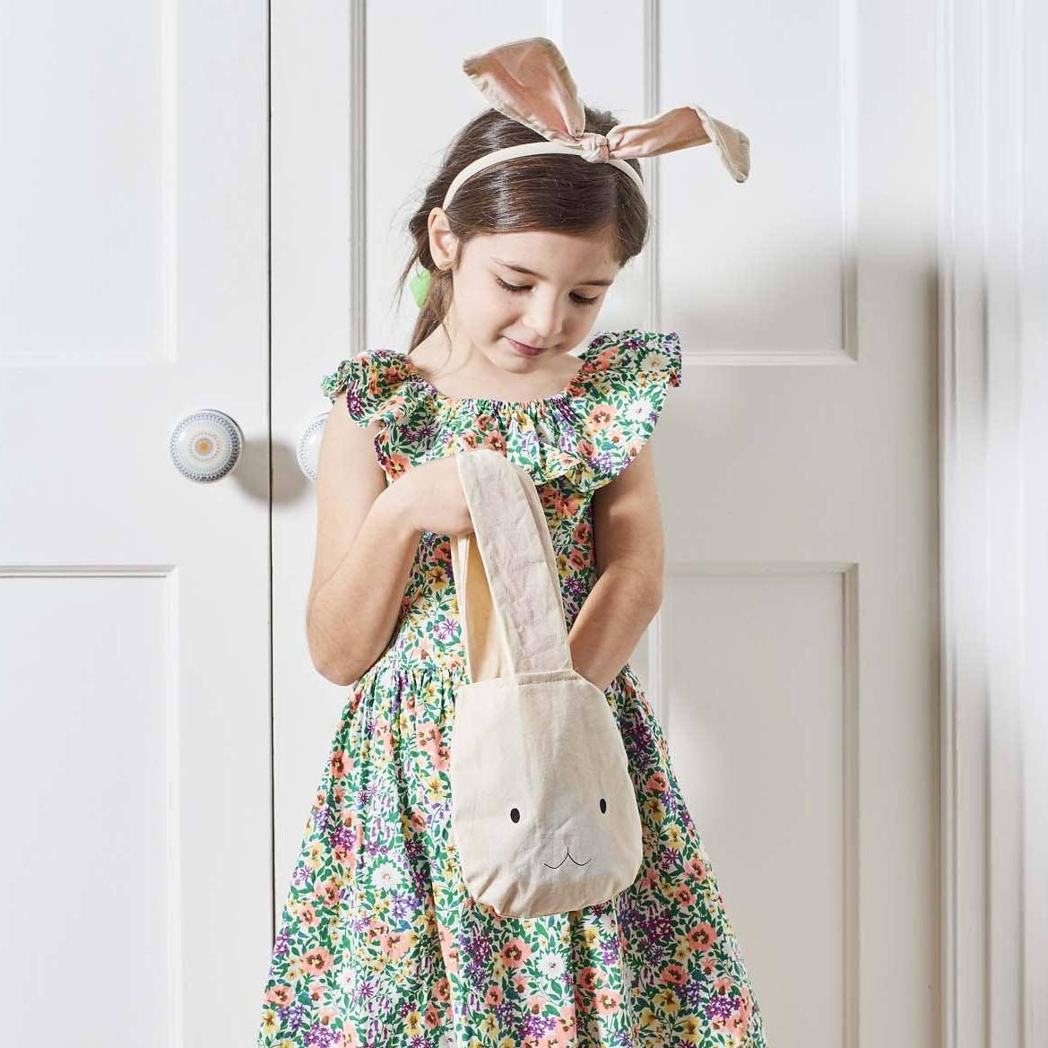 Talking Tables - TT Cloth Bunny Bag with Pom Pom Tail