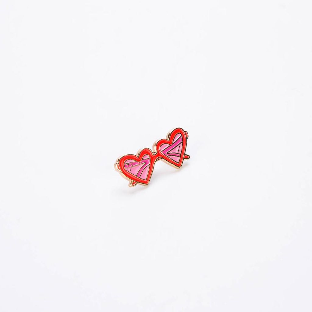 Little Arrow LIA AC - Heart Sunnies Lapel Pin