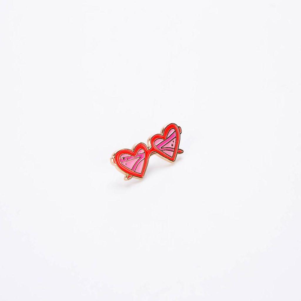 Little Arrow LIA AC - Heart Sunnies Lapel Pin
