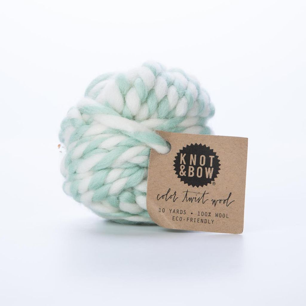 knot and bow Mint Wool Yarn