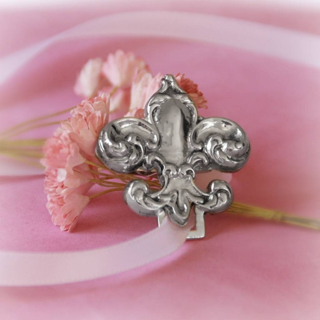 Collectables America Fleur de Lis Pewter Paci Holder
