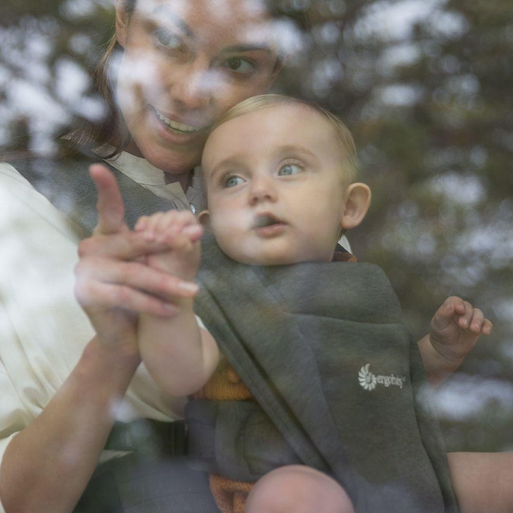 Ergobaby Ergobaby Embrace Newborn Carrier -