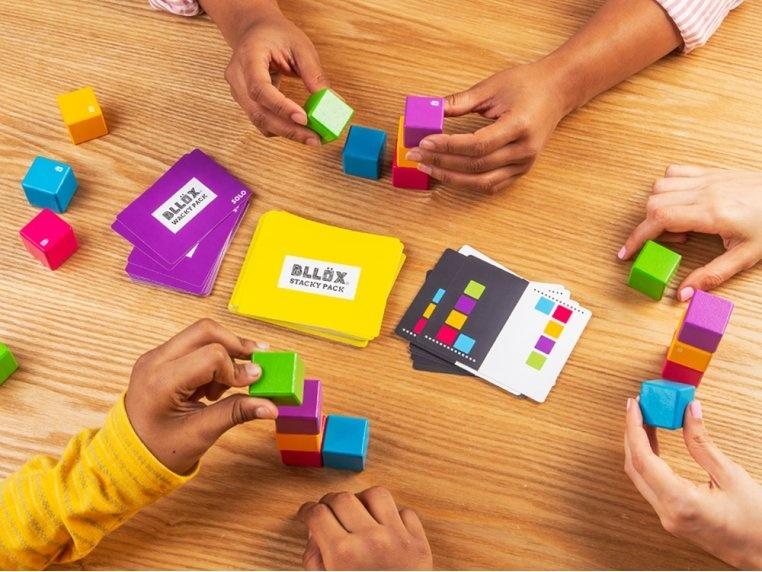 mobi games Bllox Stacking Game