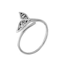Boma FILIGREE WHALE TAIL WRAP RING