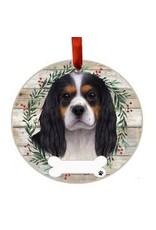 E and S KING CHARLES TRI COLOR WREATH ORNAMENT