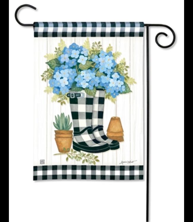 Studio M Garden Flag