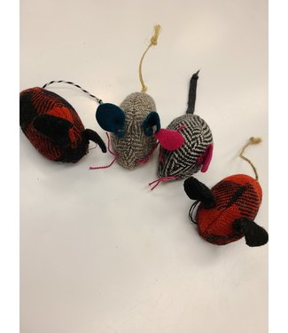 3HapppyMamas Handmade Wool Mouse Cat Toy - Assorted Colors