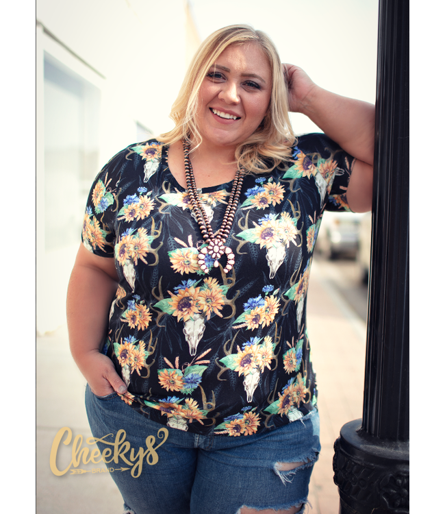 Cheeky's Boutique Amber Sunflower Skull Scoop Tee in Black