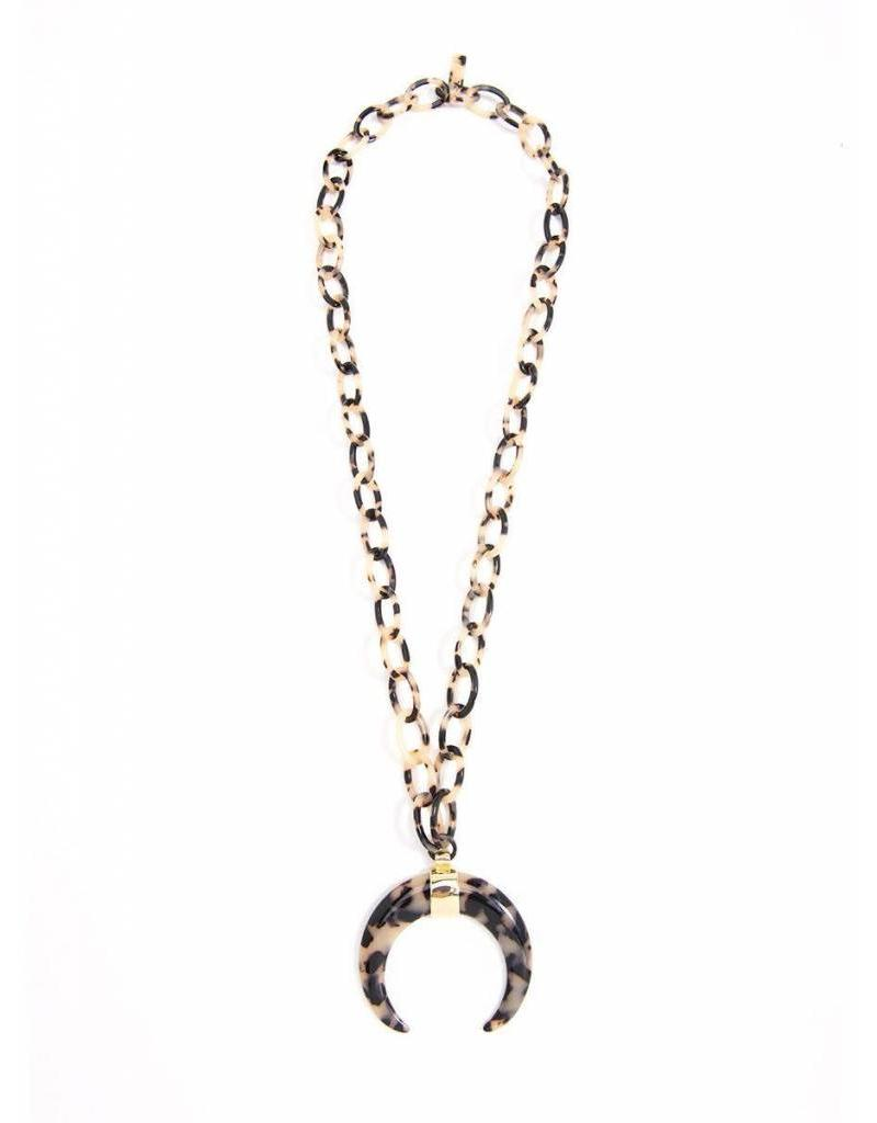 Resin Necklace w/ Curved Horn Pendant- Blk/Tan