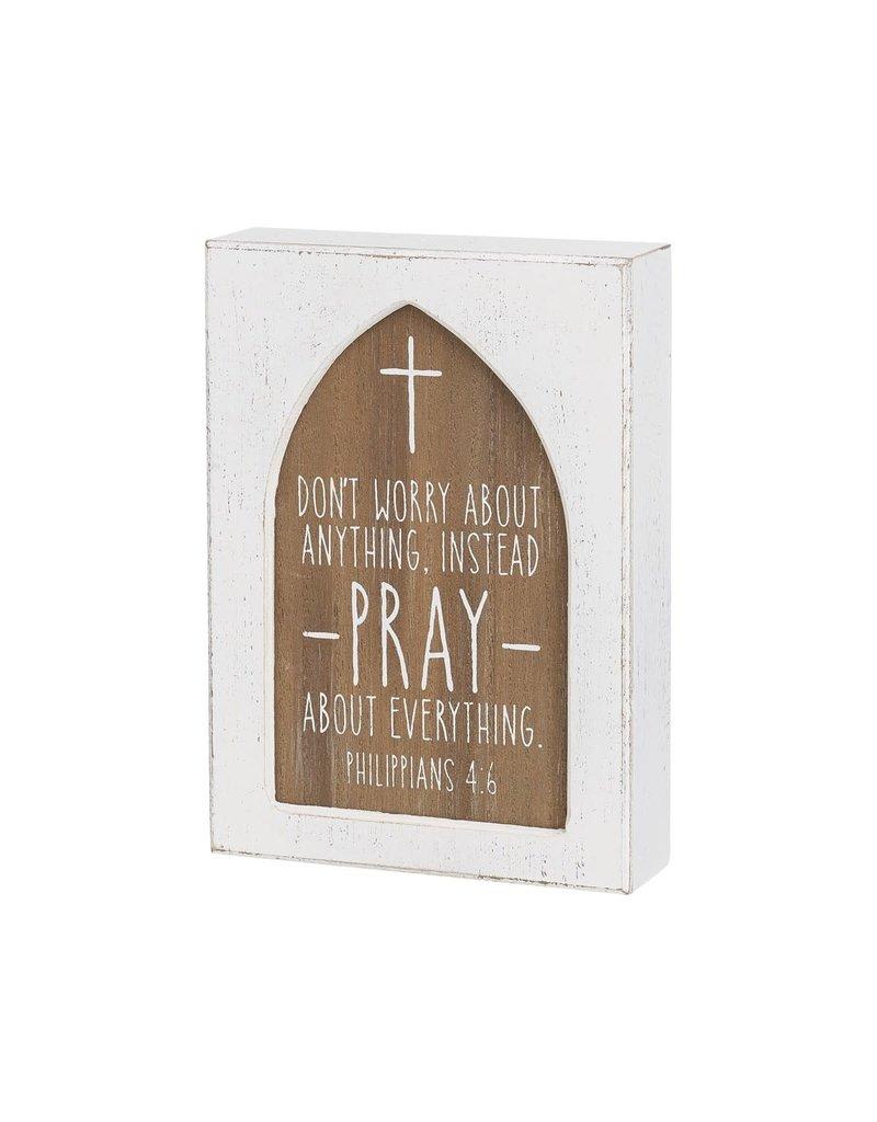 Box Sign- Pray