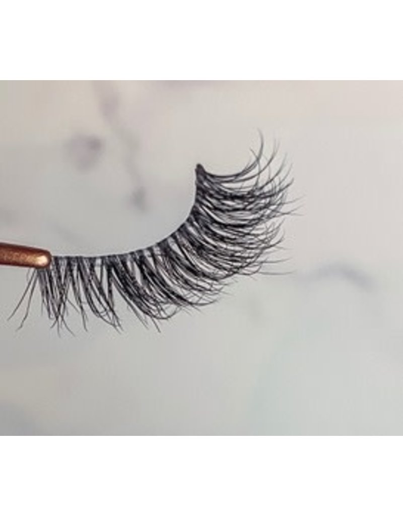Taylored Lashes Crown Me