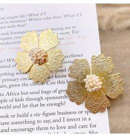 Treasure Jewels Dahlia Pearl Earrings