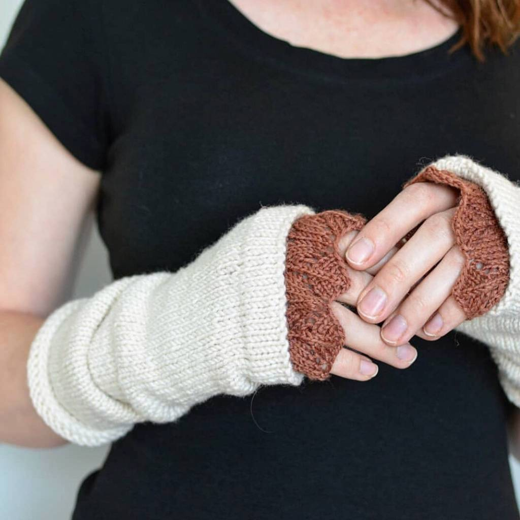 PluckyPigeon Lacy Day Fingerless Mitts Kit