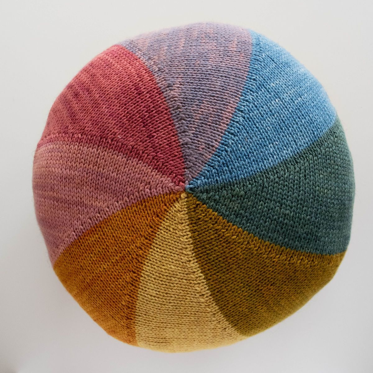 WildWestDye WildWestDye Colourwheel Cushion Kit (Yarn only)