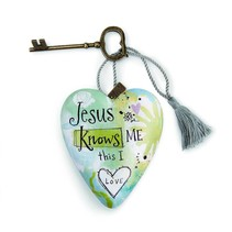 Jesus Knows Me Art Heart